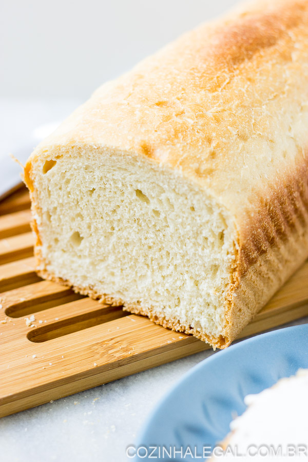 This is the classic recipe for homemade sandwich bread, and it's so easy to make! The bread is incredibly high, soft and fluffy. The perfect bread recipe.